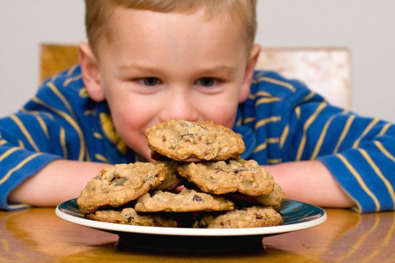 kid and cookies
